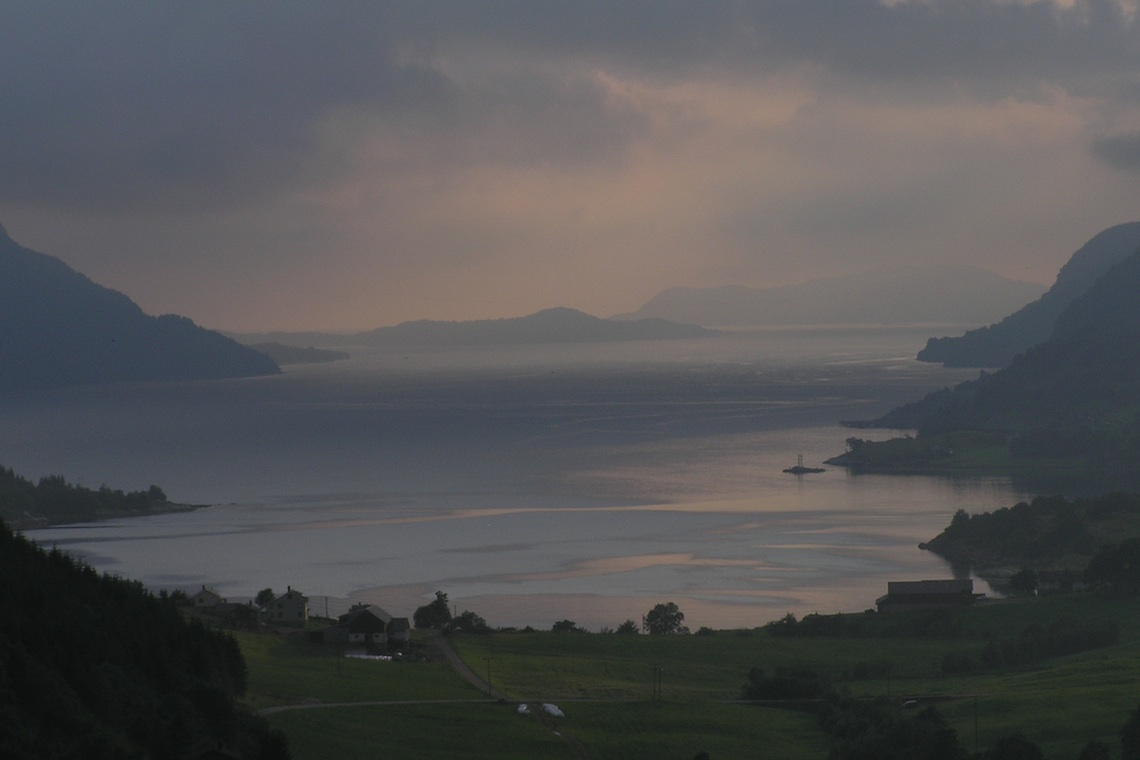 Dunkle Zukunft für den norwegischen Førdefjord: Hier soll eine Mine gebaut werden