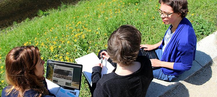 Blog Redaktionsplanung im Grünen