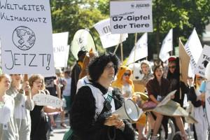 Die WWF-Jugend demonstriert vor dem G7-Gipfel © Kerstin Leicht / WWF