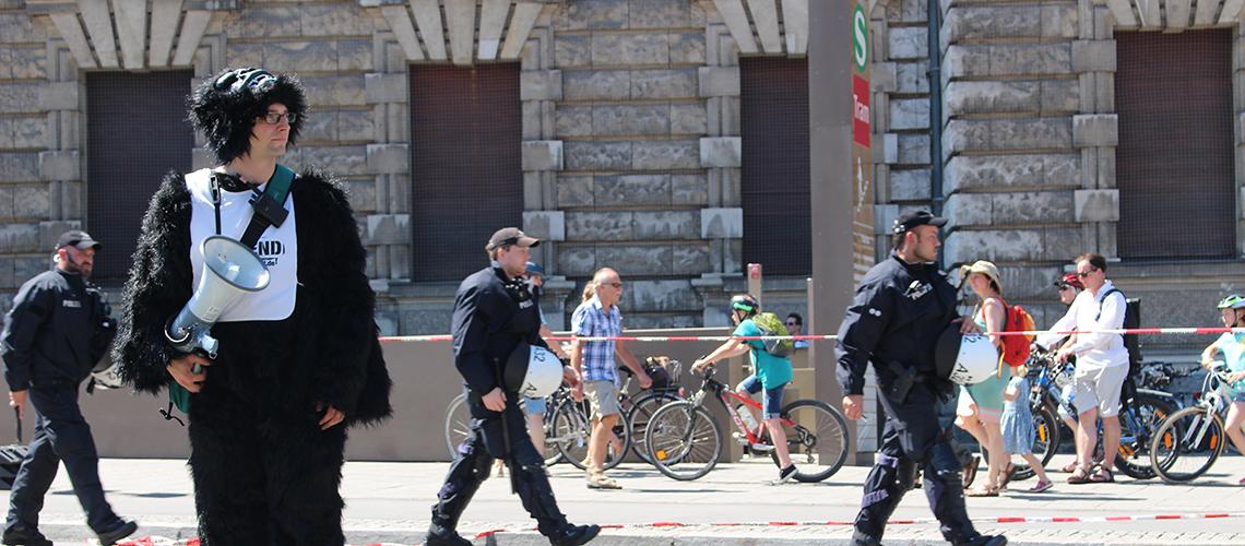 Die WWF-Jugend demonstriert vor dem G7-Gipfel in München © Melanie Gömmel / WWF