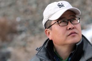 Nahaufnahme eines Mongolen mit WWF-Mütze: Es ist Chimde vom WWF Mongolei.