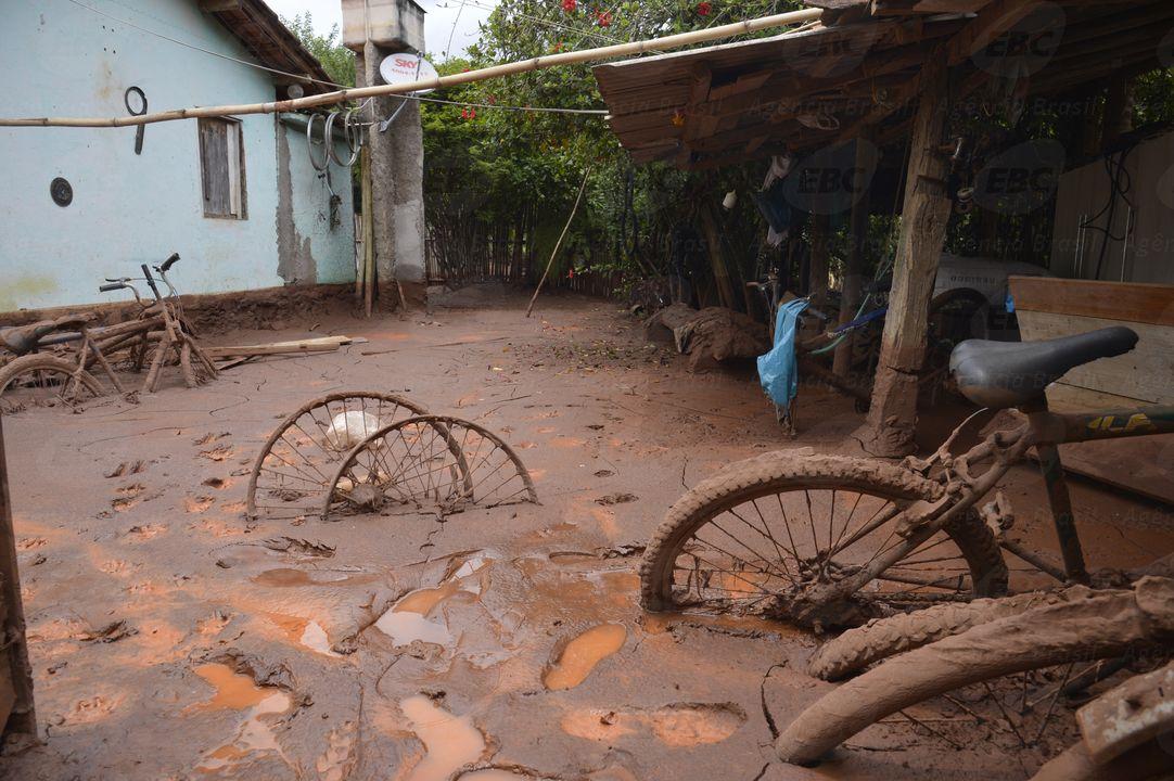 Begraben unter Giftschlamm © Antonio Cruz/Agência Brasil