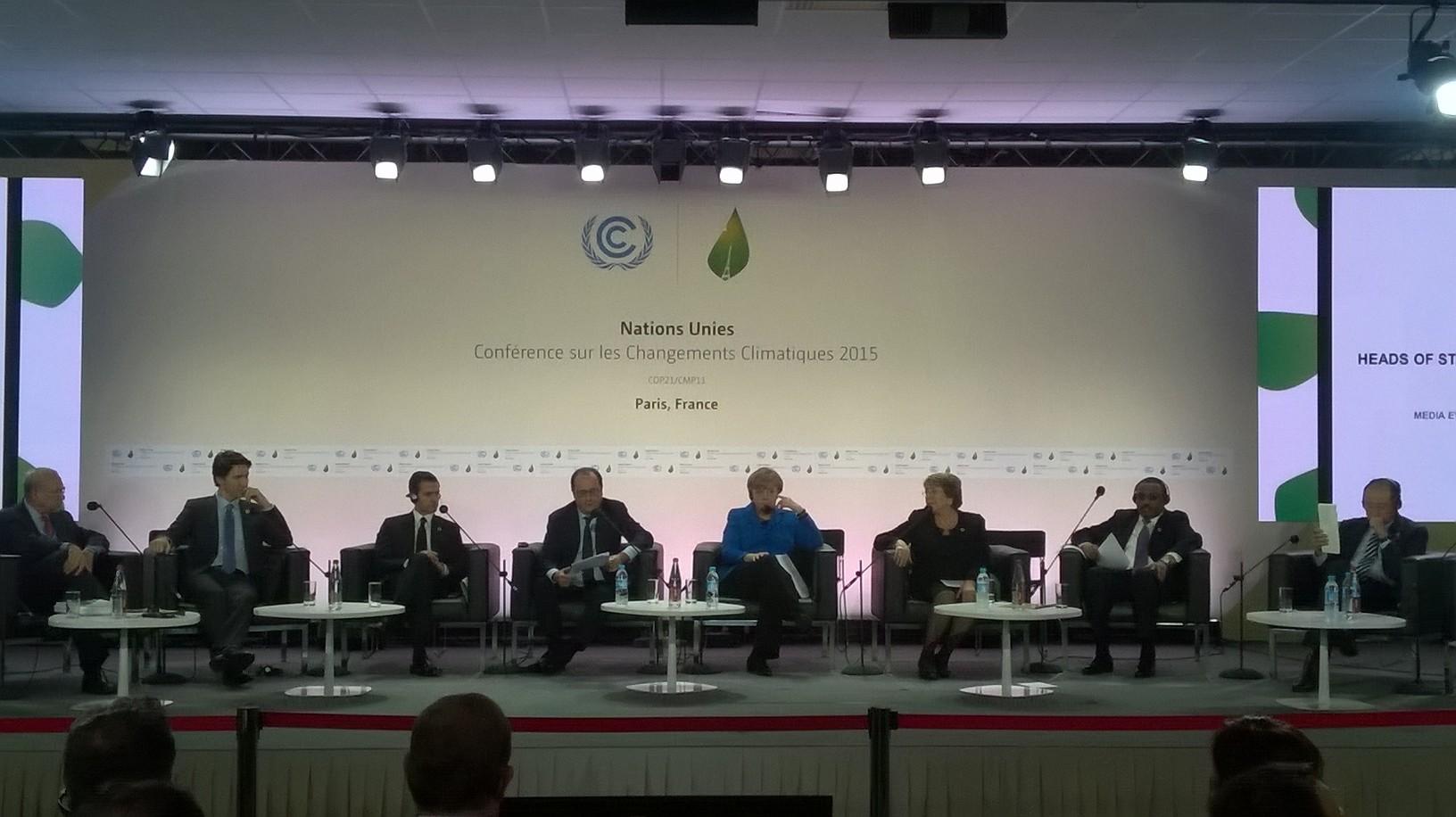 COP 21: Merkel spricht © Sylvia Ratzlaf