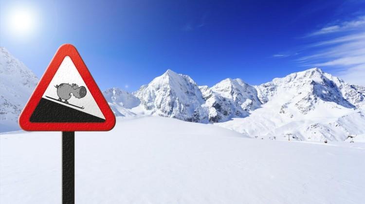 Ski fahren: Wer im Winter zum Urlaub in die Berge fährt, sollte sich für Natur und Umwelt an ein paar Regeln halten © WWF