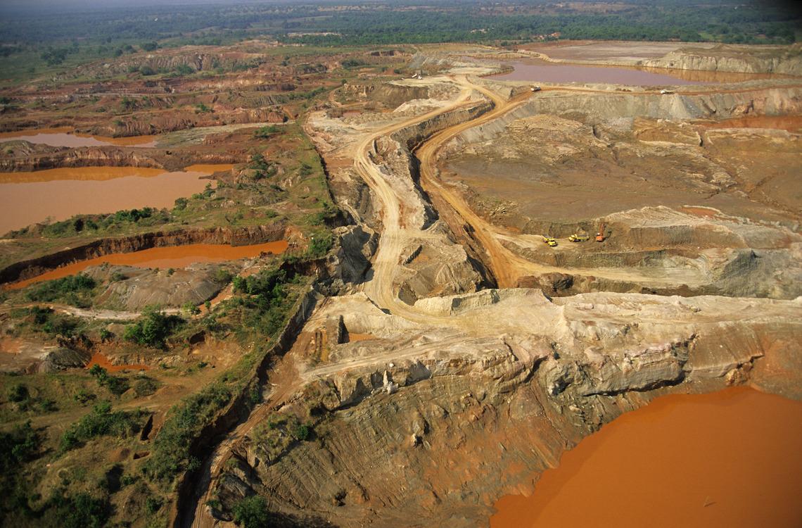 Eine Goldmine im brasilianischen Amazonas-Becken, Luftaufnahme