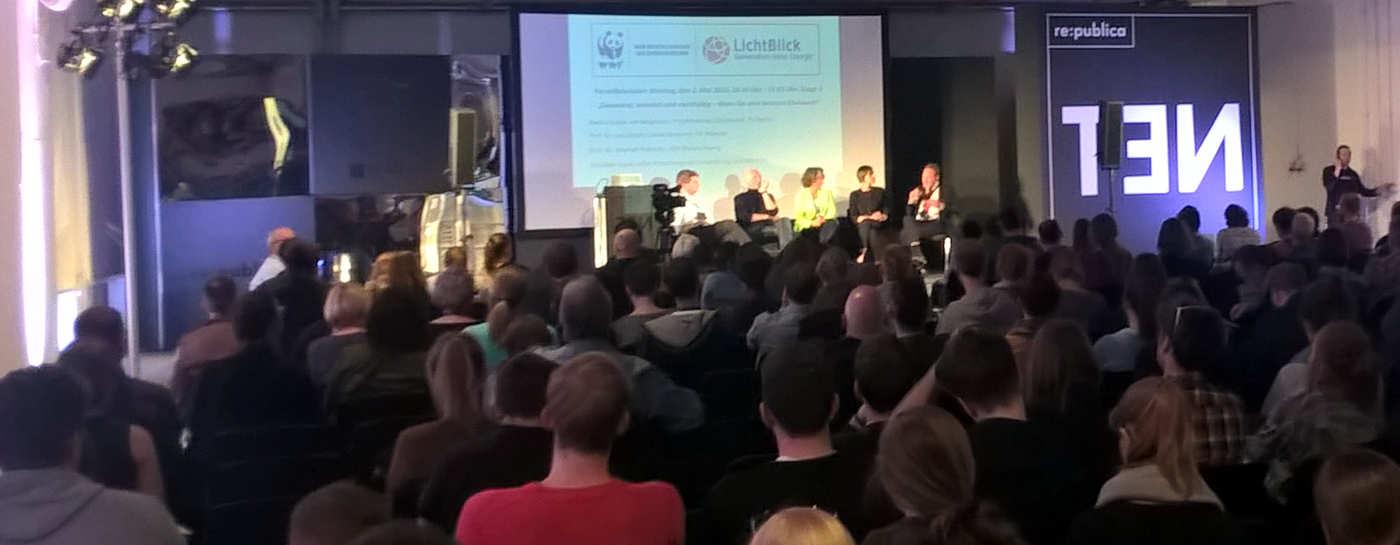 Lichtblick und der WWF hatten auf der rpublica 2016 in berlin ein hochkarätiges Podium auf dem Panel aus den Bereichen Energie, Mobilität, Ernährung und Stadtentwicklung diskutiert, ob (und natürlich: wie) die die Digitalisierung einen Beitrag zum Klimaschutz leisten kann.