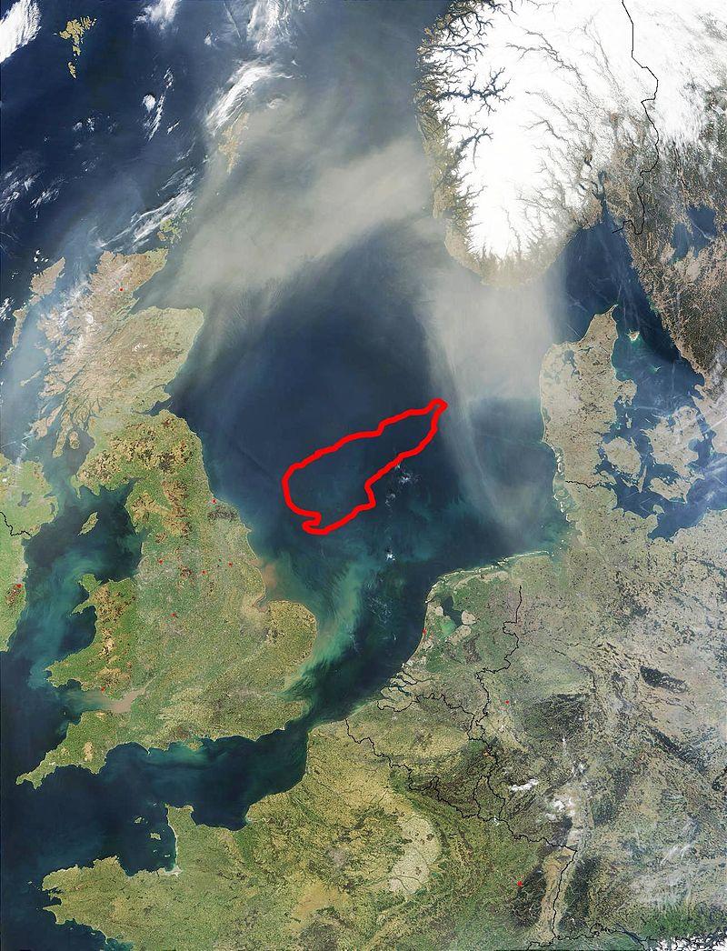 Die Doggerbank vom Satelliten: riesige Sandbank zwiswchen England, Dänemark und Deutschland inmitten der Nordsee