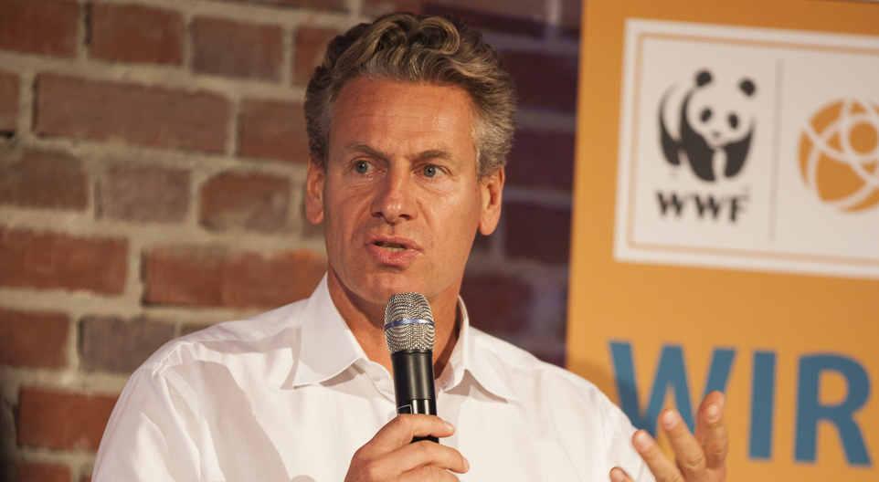 WWF Chef Eberhard Brandes spricht über die Energiewende in den USA auf der Veranstaltung von WWF und Lichtblick in Berlin