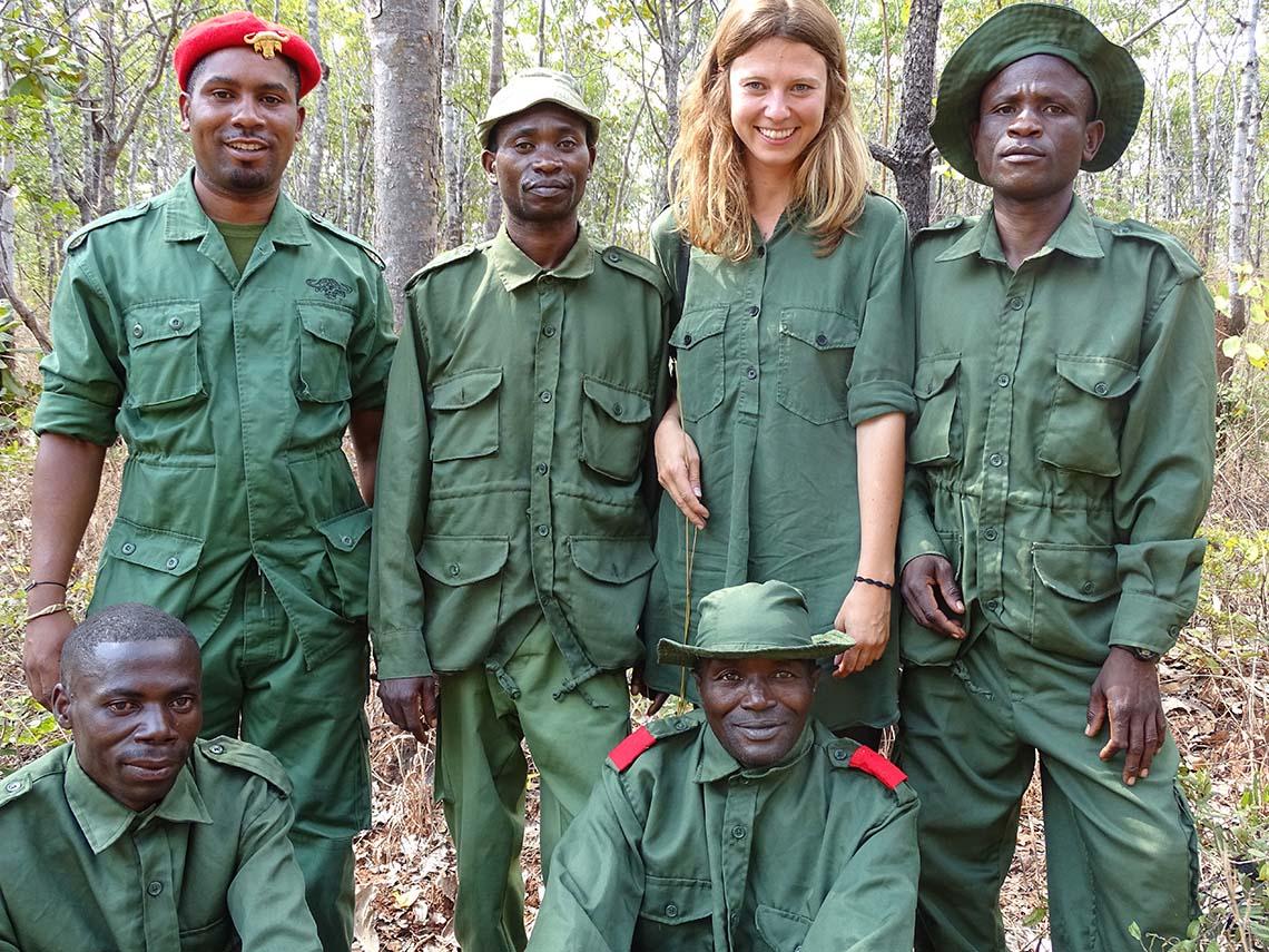 Melanie Gömmel und Ranger Wildhüter der WMAs, Tansania