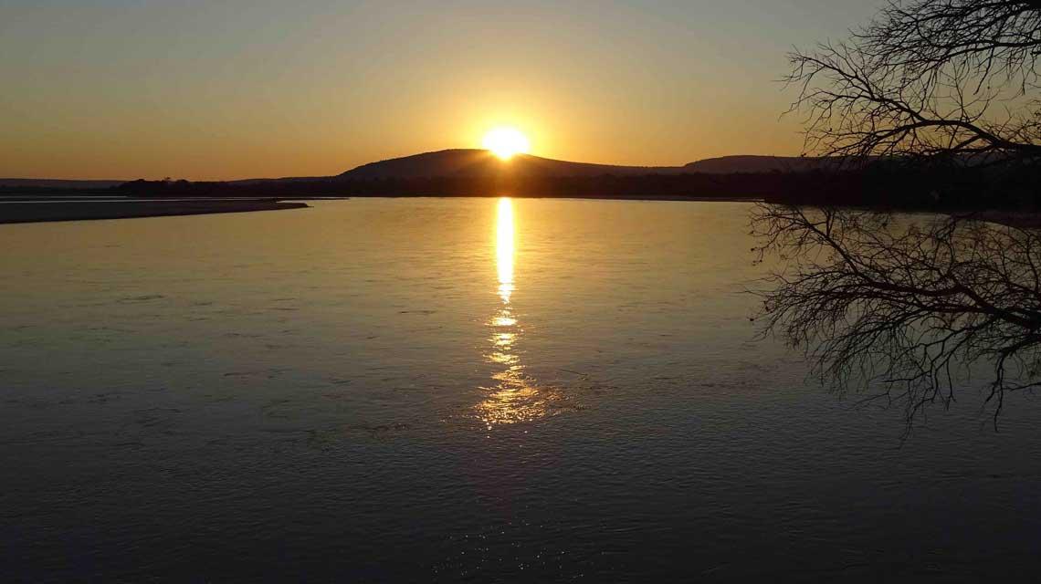 Sonnenuntergang im Selous © Melanie Gömmel / WWF