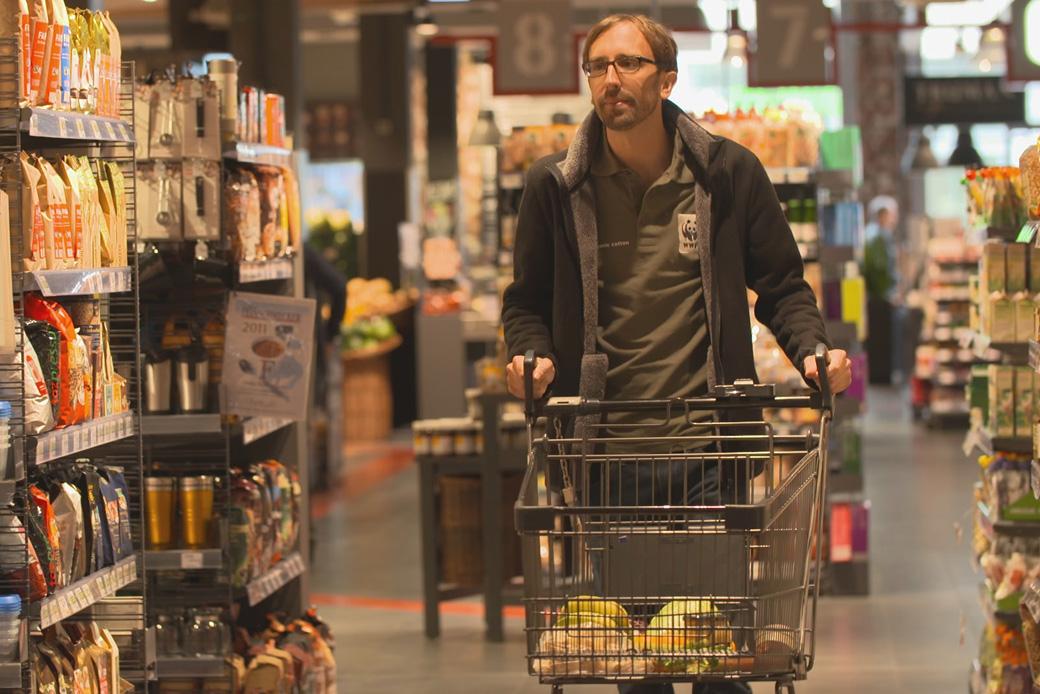 Ein vielschichtiges und wichtiges Thema im TV: Wie der Klimawandel Einzug in unsere Supermärkte hält. WWF-Experte Thilo Pommerening wurde darüber vom ZDF befragt. Zu sehen bei planet e am 6.11.16