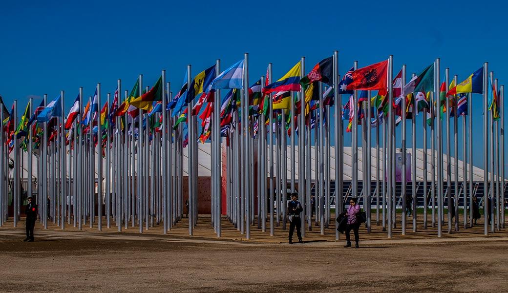 Flaggen der teilnehmenden Staaten: Heute ist Tag 3 der Klimakonferenz COP 22 in Marrakesch. Noch interessanter wird es ab Woche zwei.