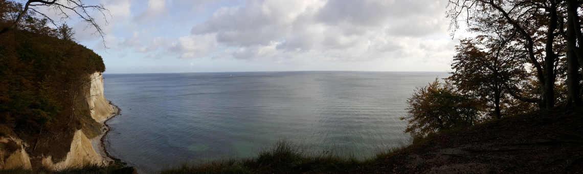 Einsatz für den WWF Trainee: Blick von den kreidefelsen auf Rügen