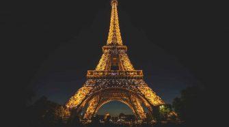 IPBES zum Artenschutz: Eiffelturm angestrahlt in der Nacht
