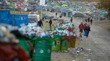 Festivals: Häufig bleiben neben bunten Erinnerungen auch tonnenweise Müll. © Aaron Chown / picture alliance / empics