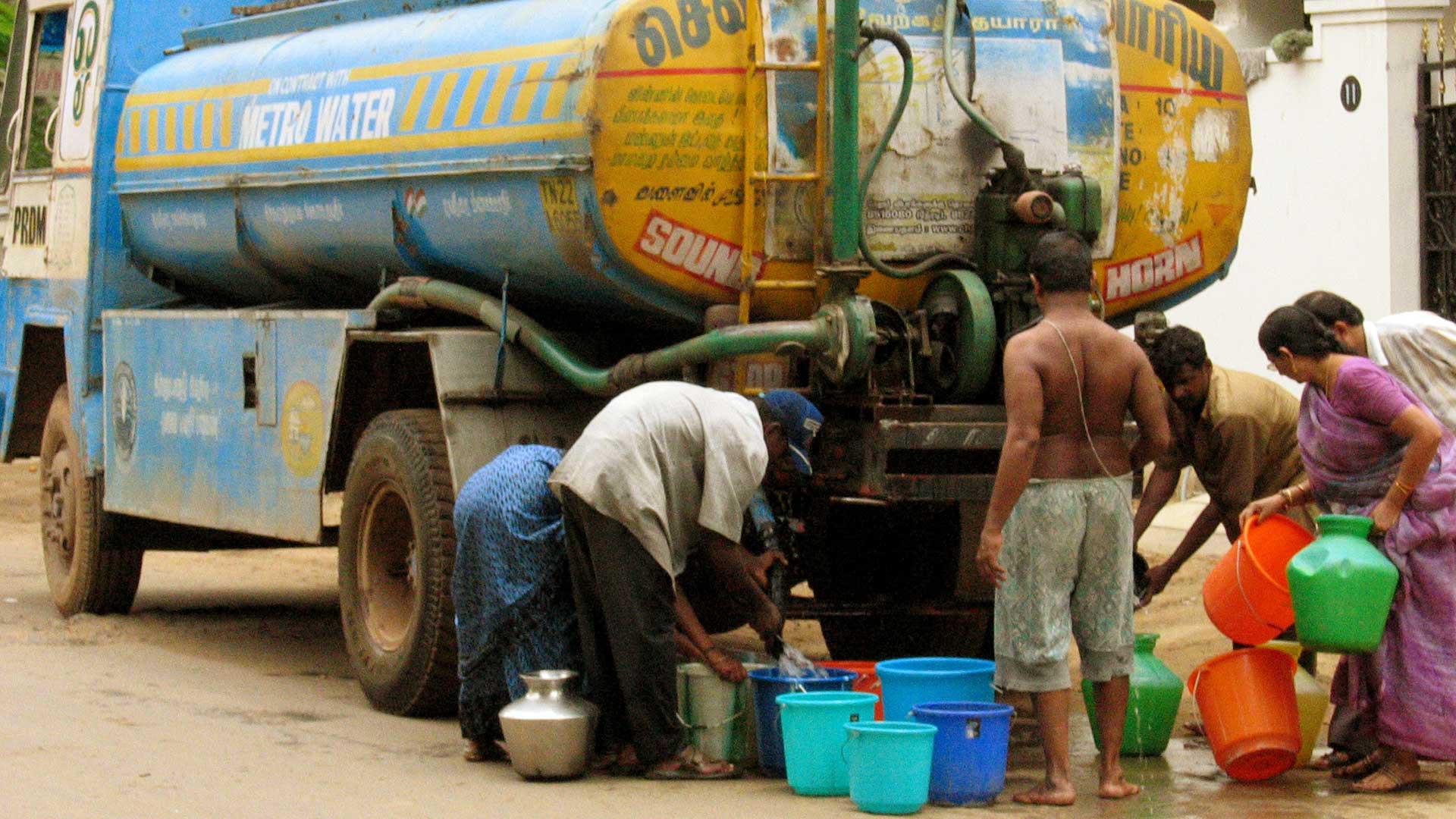 Wassermangel: Wasserauslieferung in Chennai