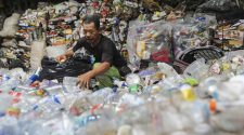 Plastikmüll: Was tun? Sortierung in Indonesien