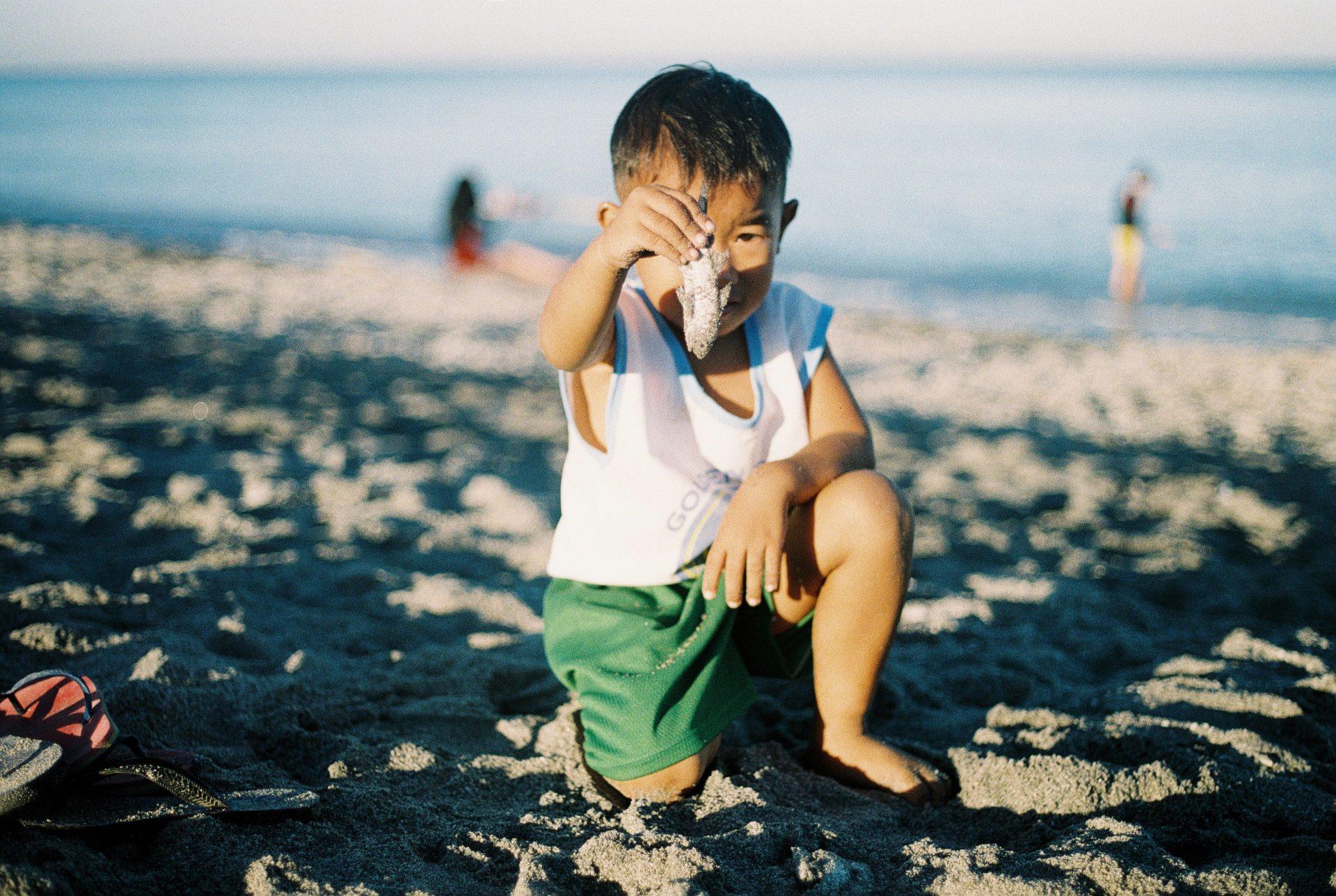 Junge mit Fisch
