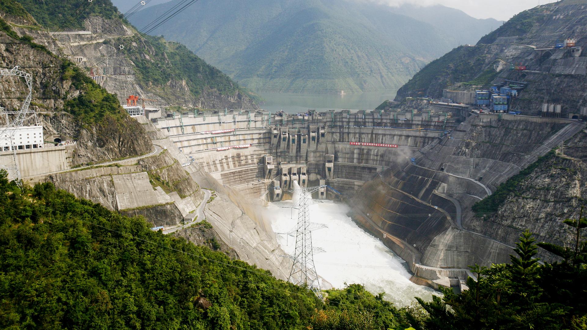 Staudämme, wie hier im cinesischen Oberlauf des Mekongs sind gigantische Projekte.