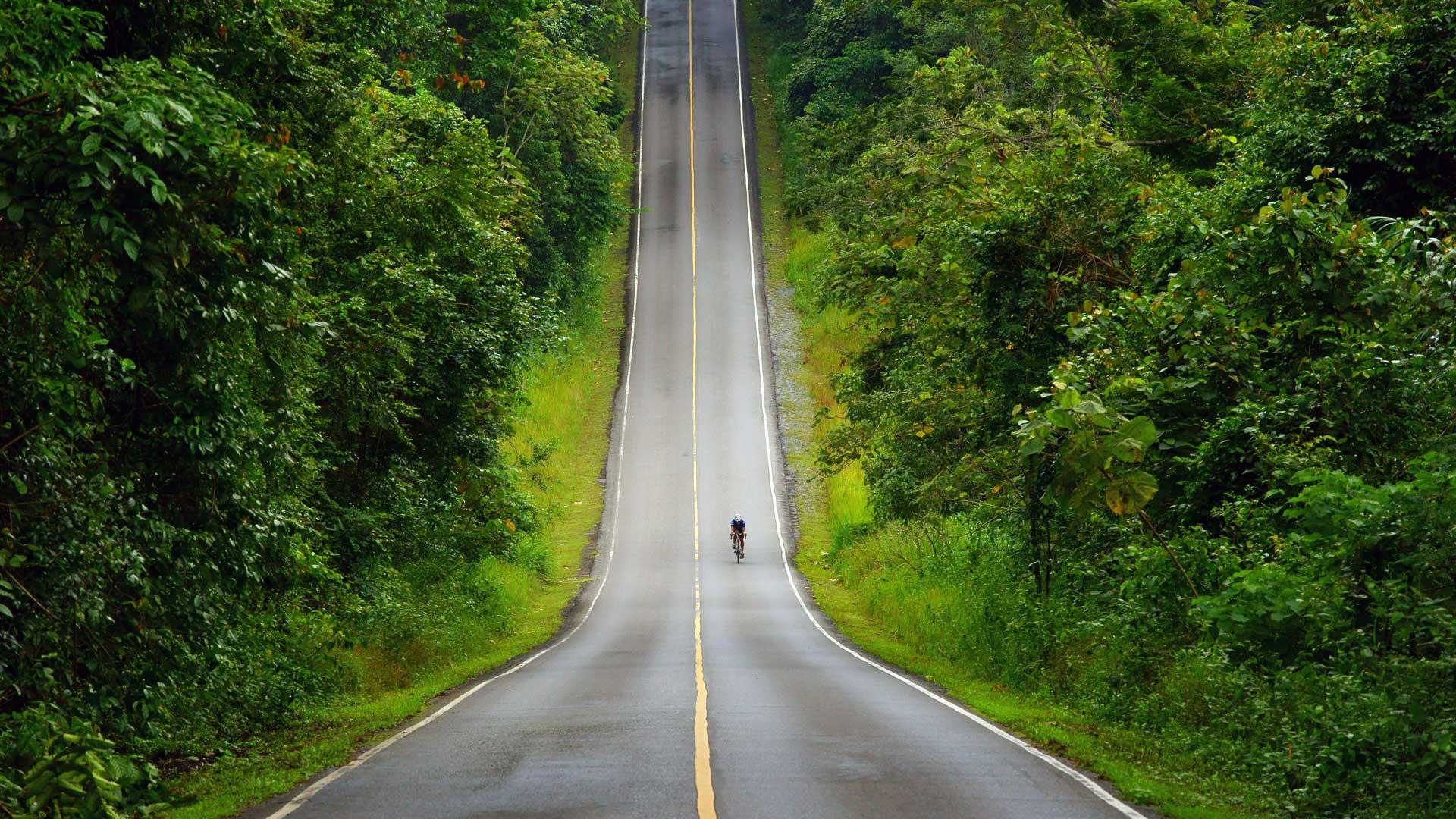 Konjunkturprogramm Corona: Radfahrer vor Steigung