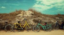 Corona: Fahrrad am Strand