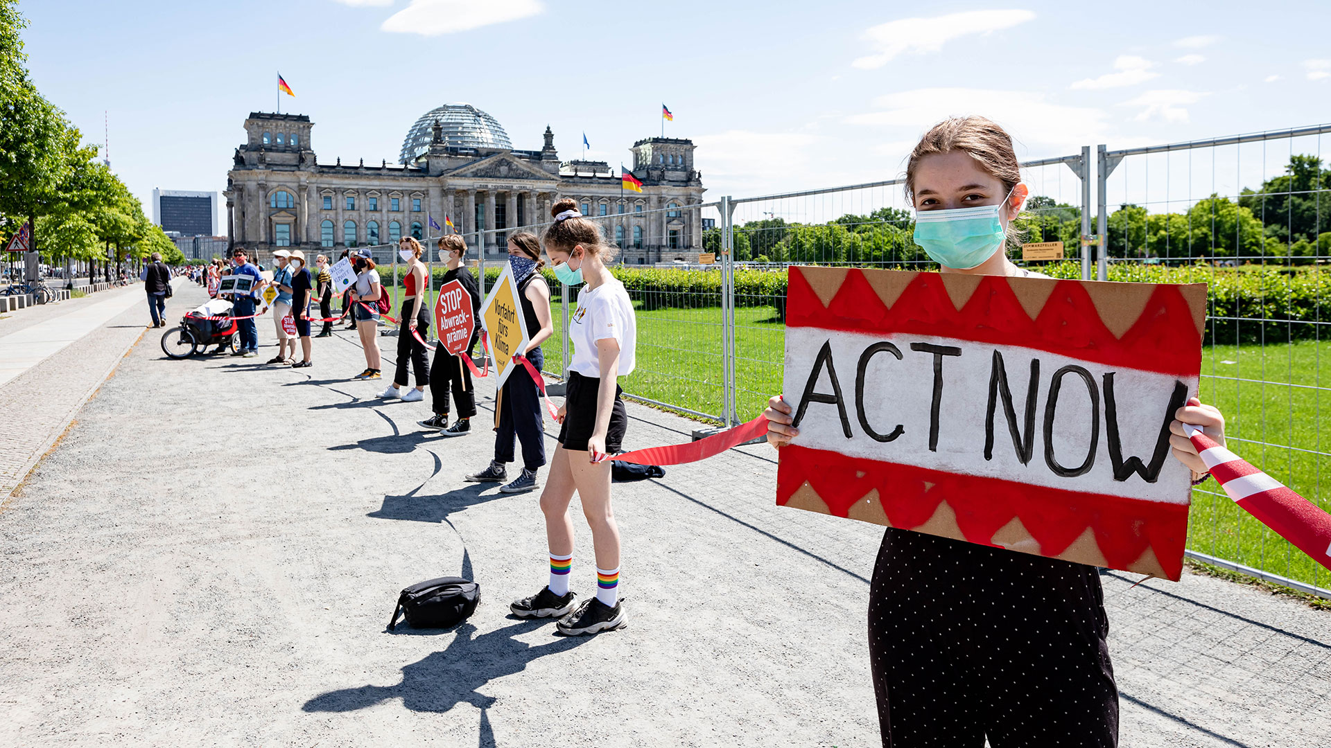 Klimastreik vor dem Reichstag in Berlin